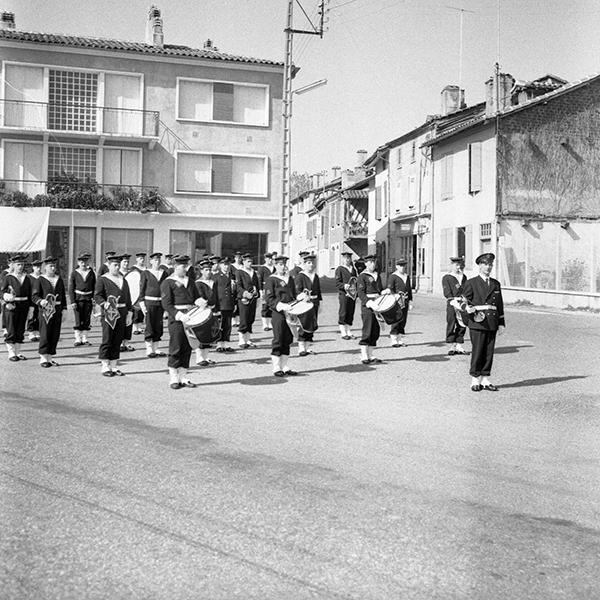 Messe et défilé Championnat des écarteurs octobre 1964 : Photographies prises à Nogaro.
