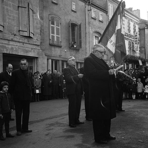 Cérémonie du 11 Novembre 1964 à nogaro