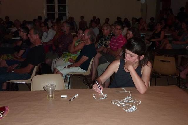 Carole-dessine-pendant-le-concert